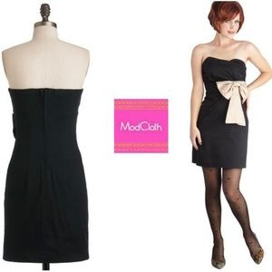 MODCLOTH MEDIUM 6 8 Black Party Dress Built-in Bra
